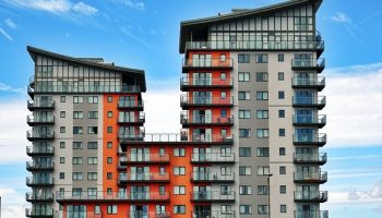 apartment-balcony-buildings-439391